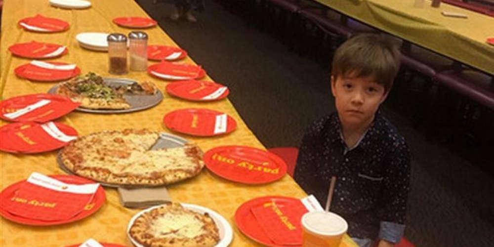 Έκλαψε όλο το Διαδίκτυο για τα μοναχικά γενέθλια του 6χρονου Τέντι