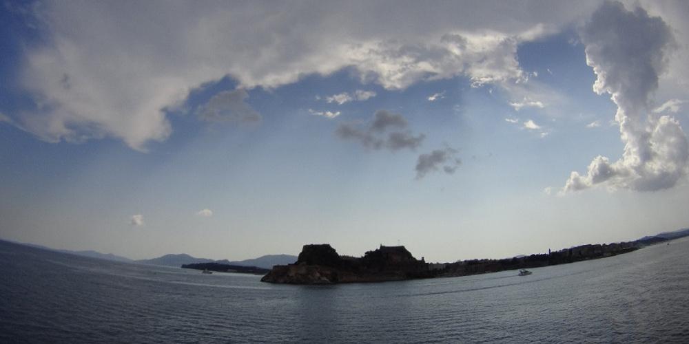 Καιρός: Φθινοπωρινό κλίμα με βροχές – Βοριάδες μέχρι 6 μποφόρ στο Αιγαίο