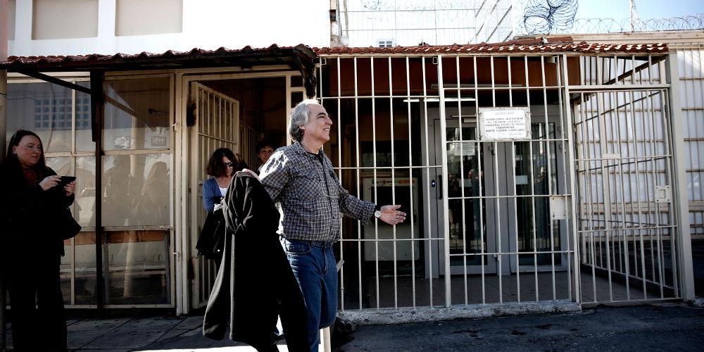 Νέα άδεια για τον Κουφοντίνα -Εξι ημέρες εκτός των φυλακών