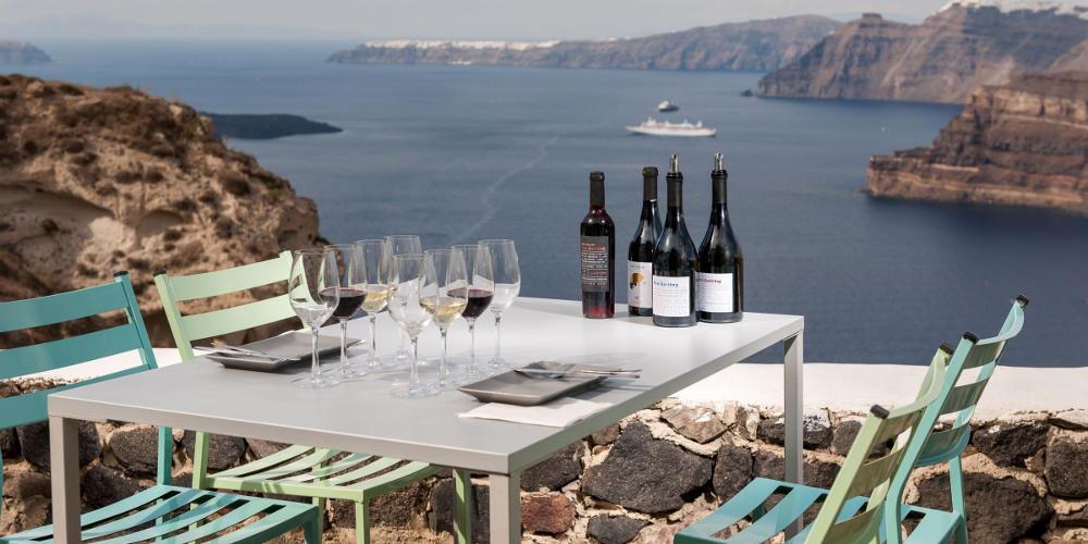 Τα κρασιά -και- της Σαντορίνης γοήτευσαν την Αθήνα