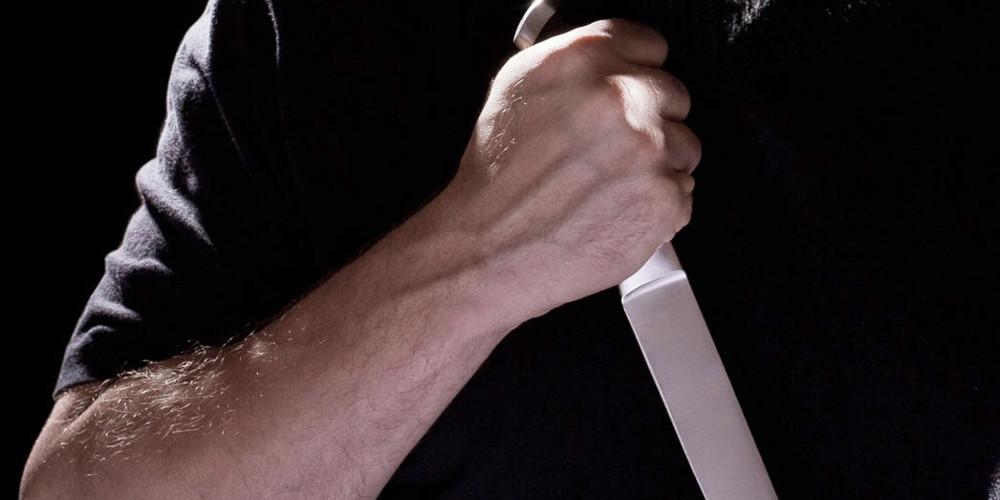 Αδίστακτοι ληστές μαχαίρωσαν 27χρονο στο κέντρο της Αθήνας - Δίνει μάχη για να κρατηθεί στη ζωή