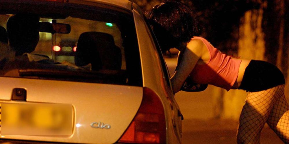 Ροζ κύκλωμα στην Μύκονο: Έσπρωχναν κορίτσια σε κροίσους για 50 ευρώ την ημέρα