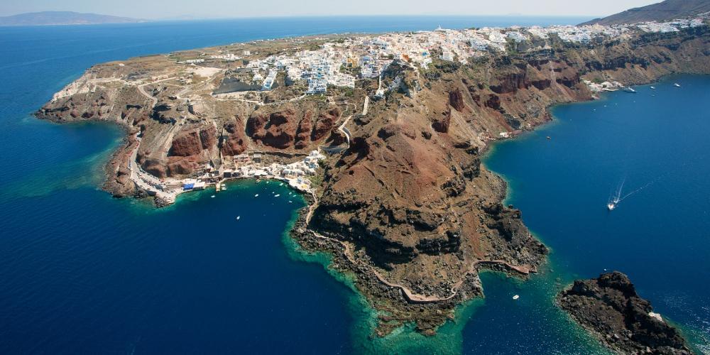 Η Σαντορίνη από ψηλά: Το ηφαίστειο, οι παραλίες, η καλντέρα και τα γραφικά χωριά [βίντεο]