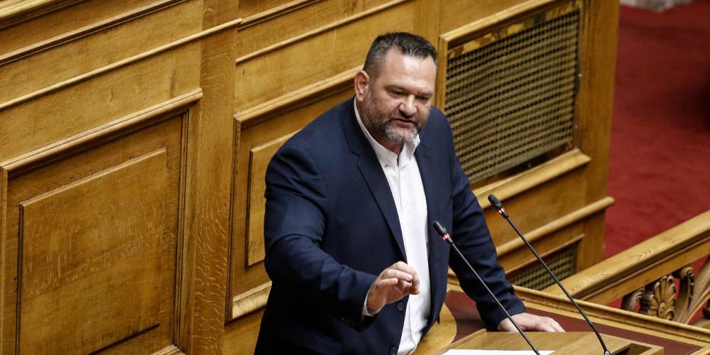 Ο κακός χαμός στην Βουλή με παραλήρημα Xρυσαυγίτη βουλευτή για το Πολυτεχνείο