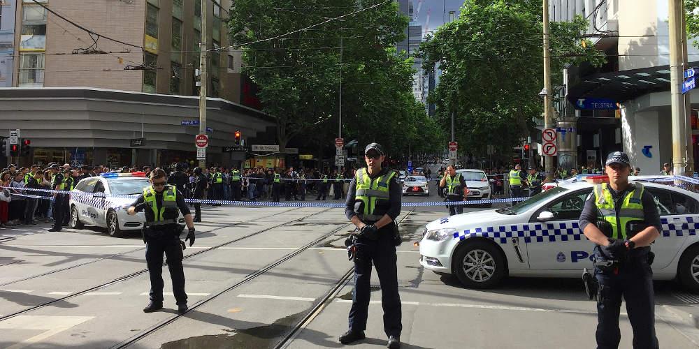 Ένας νεκρός και δύο τραυματίες από επίθεση με μαχαίρι στη Μελβούρνη [βίντεο]