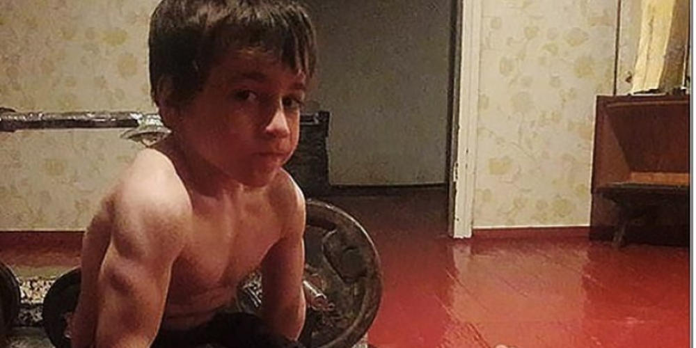 Αυτός ο 5χρονος είναι το πιο δυνατό παιδί στον κόσμο και έχει και… Mercedes