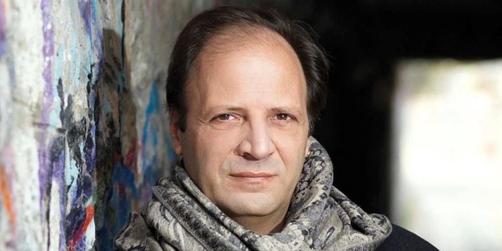 Δημήτρης Αποστόλου: Η Μενεγάκη ήταν η έμπνευση για τους Δύο Ξένους